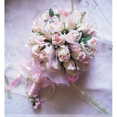 Delicated Dreamlike Villatic Rosebuds Bride Bouquet - Champagne
