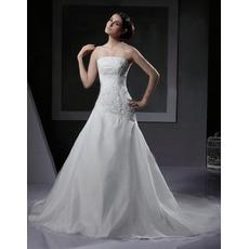 Elegant A-Line Strapless Chapel Train Satin Tulle Applique Wedding Dresses