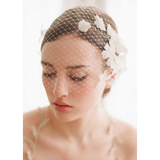 Classic White Tulle Fascinators/ Headpieces/ Birdcage Veils for Brides