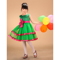 2018 Green Layered Skirt Little Girls Holiday Dresses with Sashes