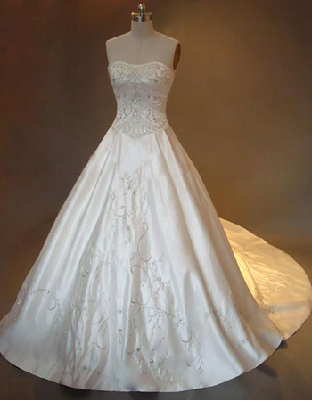 Stunning Elegant Exquisite A-Line Strapless Chapel Satin Embroider Beading Dress for Bride/Bridal Gown