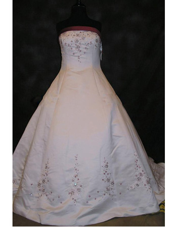 New Style Gorgeous and Elegant Ball-Gown Strapless Chapel Satin Embroider Beading Dress for Bride/Bridal Gown
