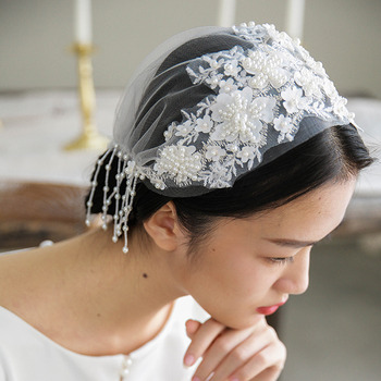 1 Layer Tulle with Applique Ivory Wedding Veils/ Fascinators
